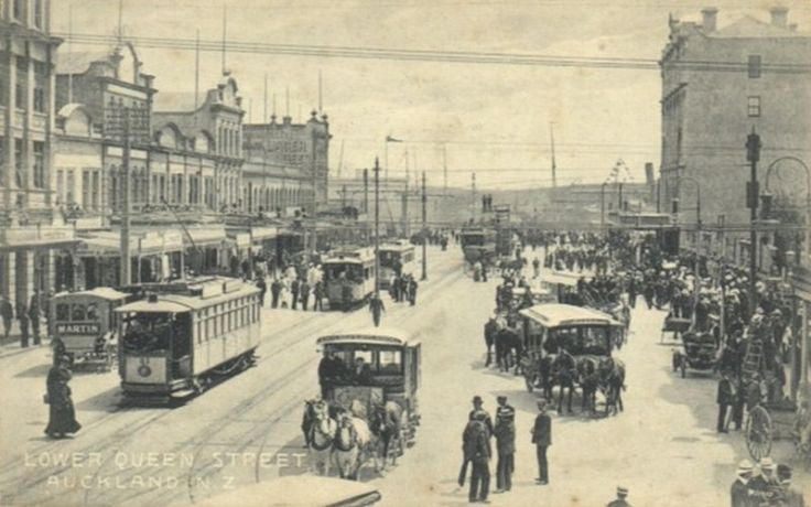 Electric trams on Queen Street, Auckland, New Zealand in 1919