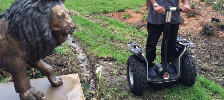 The Lion, the ditch and the Segway