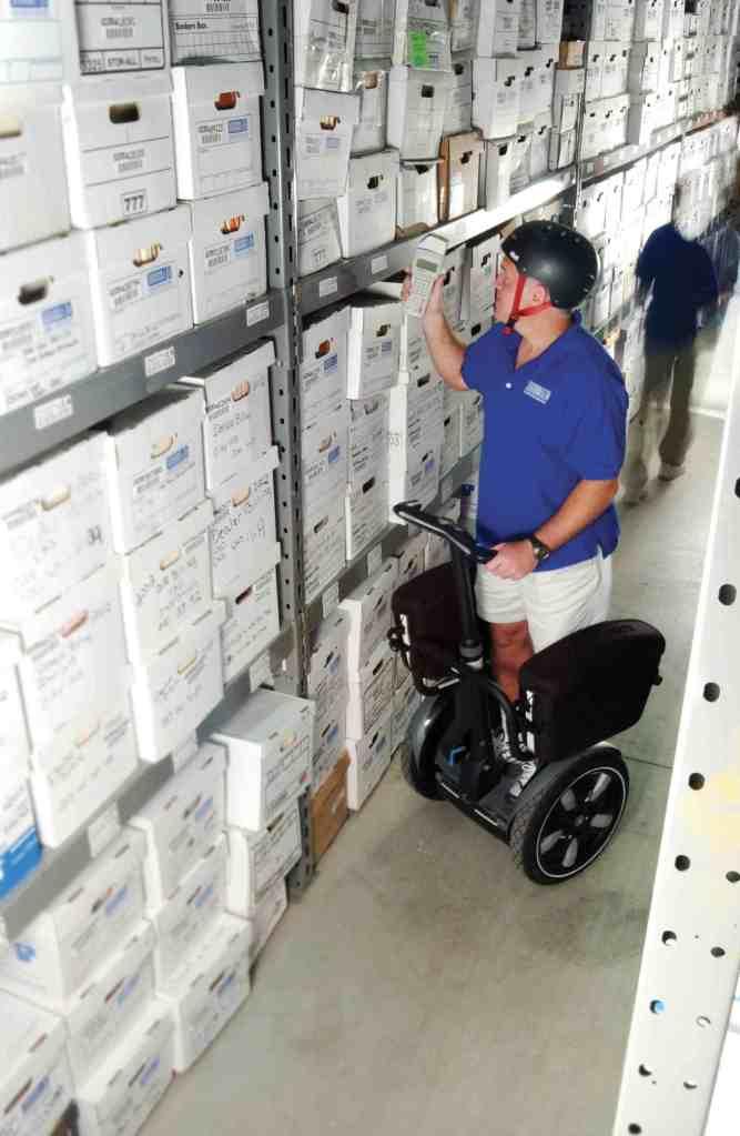 i180-cargo-in-warehouse